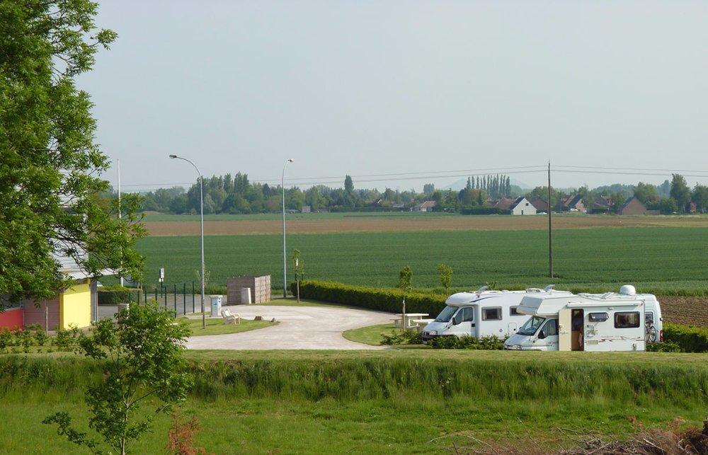 Aire camping-car à Richebourg (62136) - Photo 1